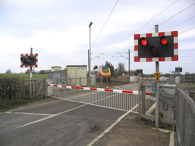 Warkworth level crossing   geograph.org.uk   367129
